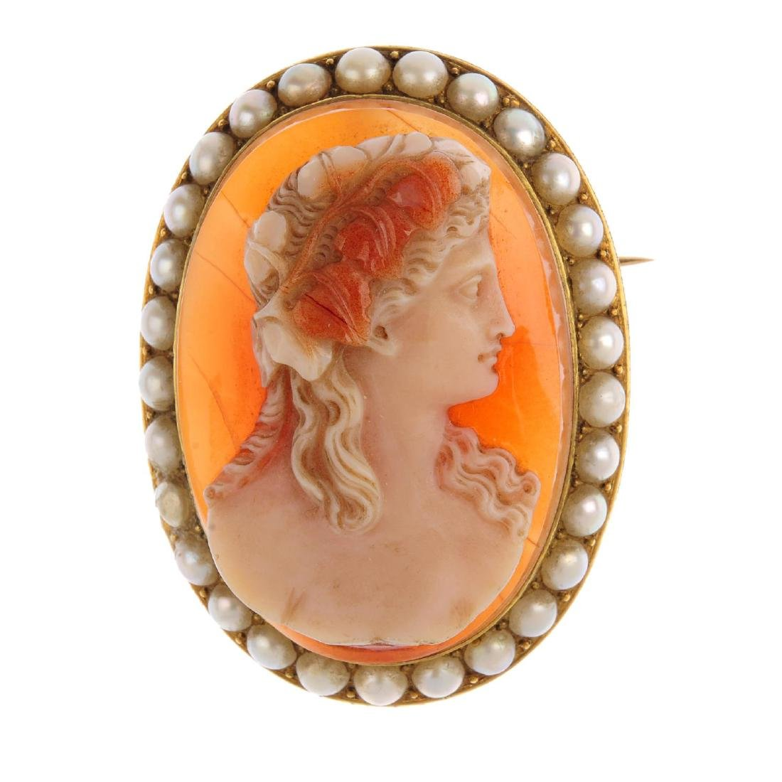 A late Victorian gold, sardonyx cameo and split pearl