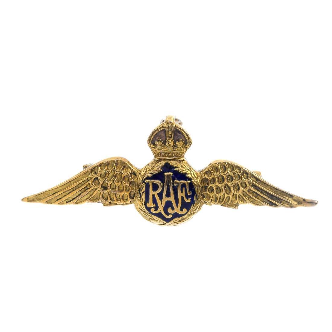 A 1970's 9ct gold enamel RAF brooch. The 'RAF' text,