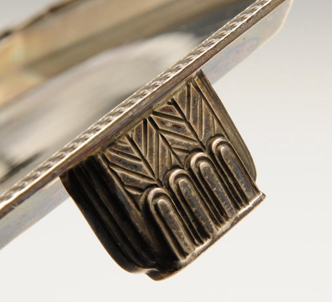 A mid-twentieth century silver salver in Art Deco - 3