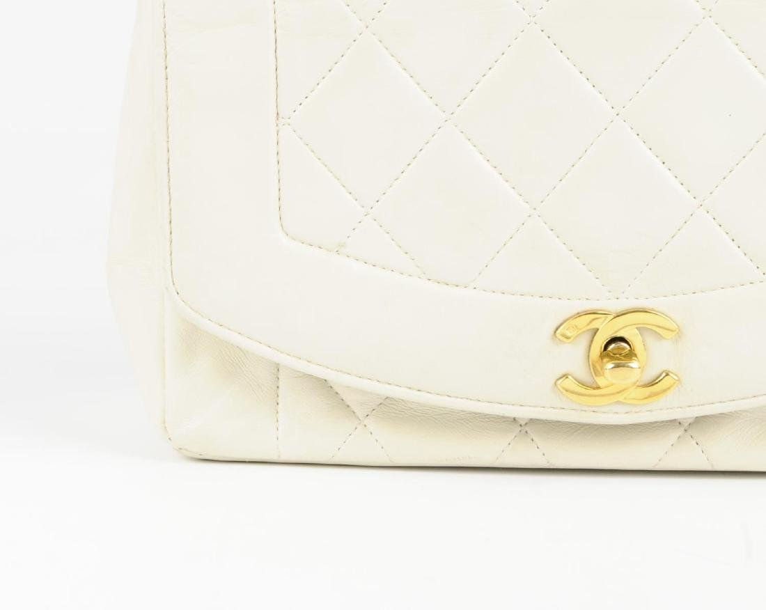 CHANEL - a vintage ivory lambskin leather handbag. - 2