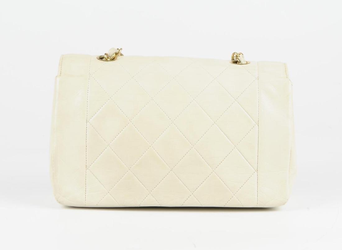 CHANEL - a vintage ivory lambskin leather handbag. - 4