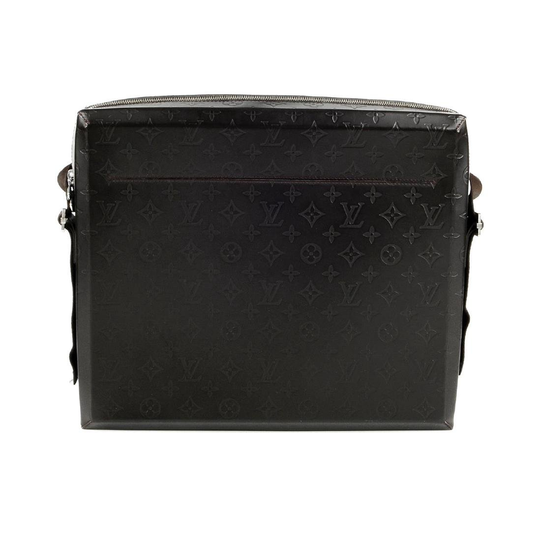 LOUIS VUITTON - a Monogram Steve Cafe messenger bag.