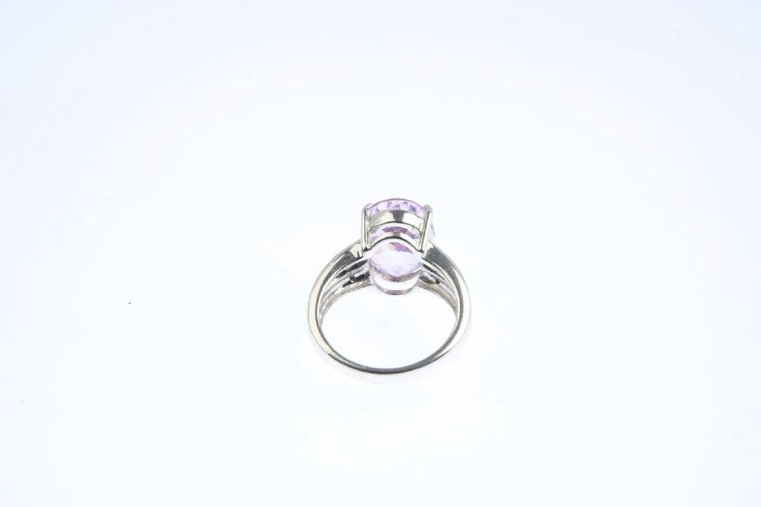 An 18ct gold kunzite and diamond ring. The oval-shape - 3