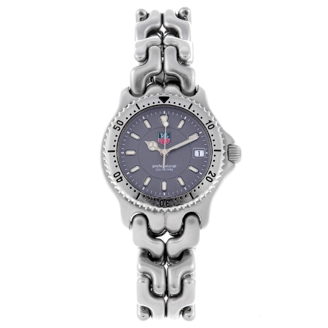 TAG HEUER - a mid-size S/el bracelet watch. Stainless