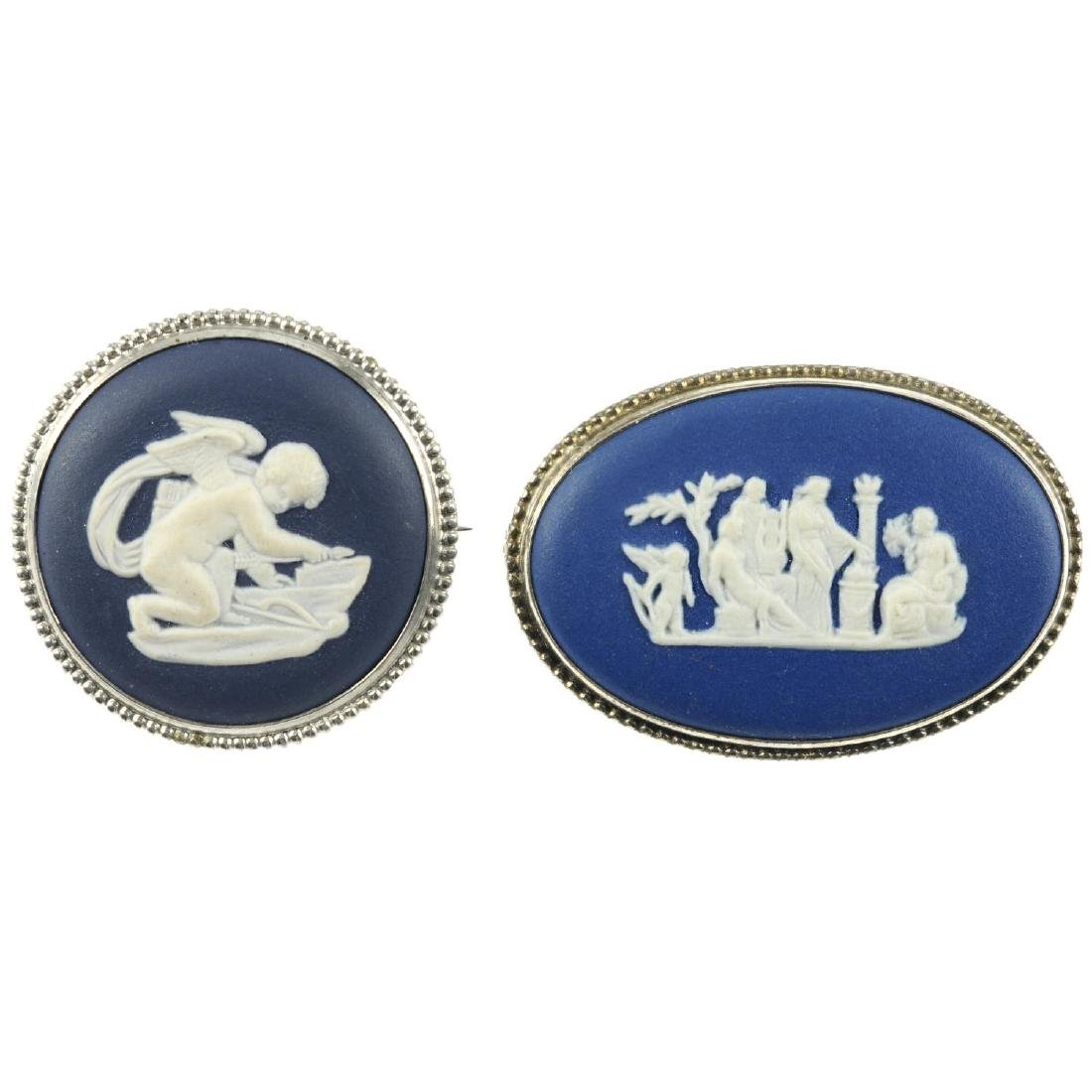 WEDGWOOD - seventeen items of jewellery and a single
