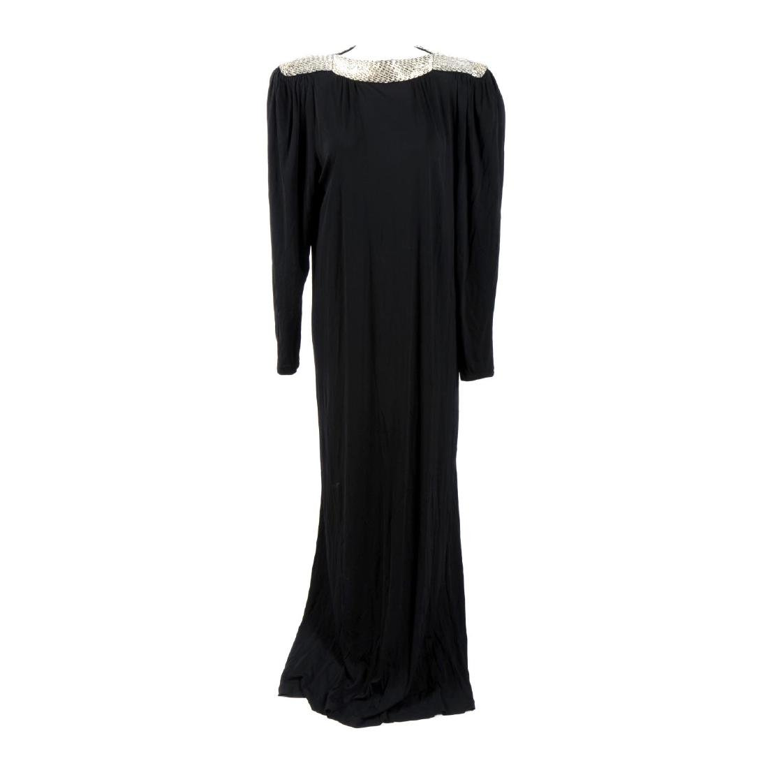 BRUCE OLDFIELD - a dress. The full-length black viscose