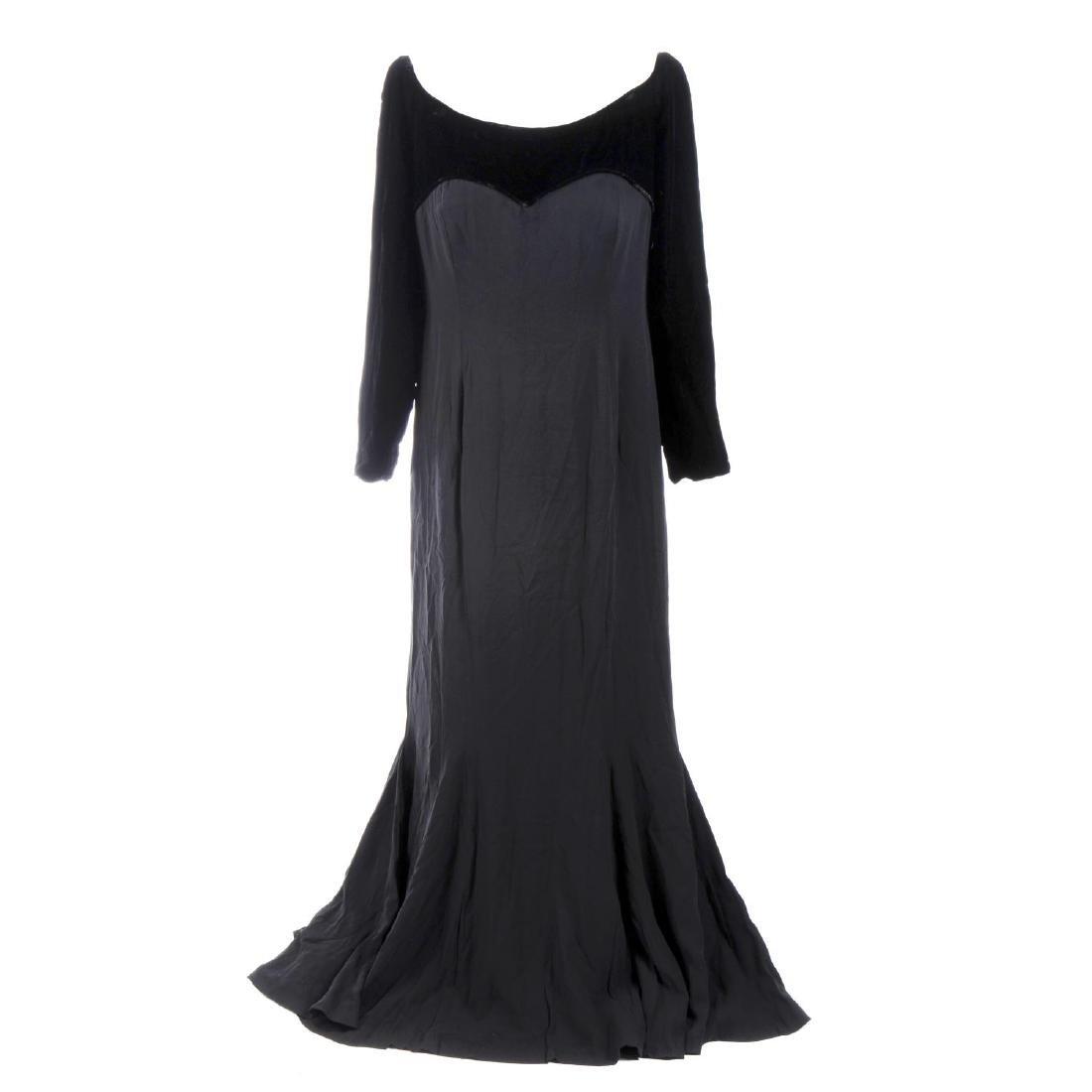 CATHERINE WALKER - a velvet dress. The black pure silk