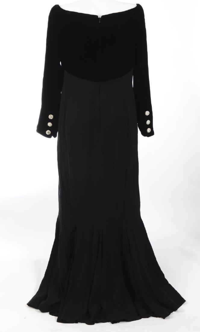 CATHERINE WALKER - a velvet dress. The black pure silk - 2