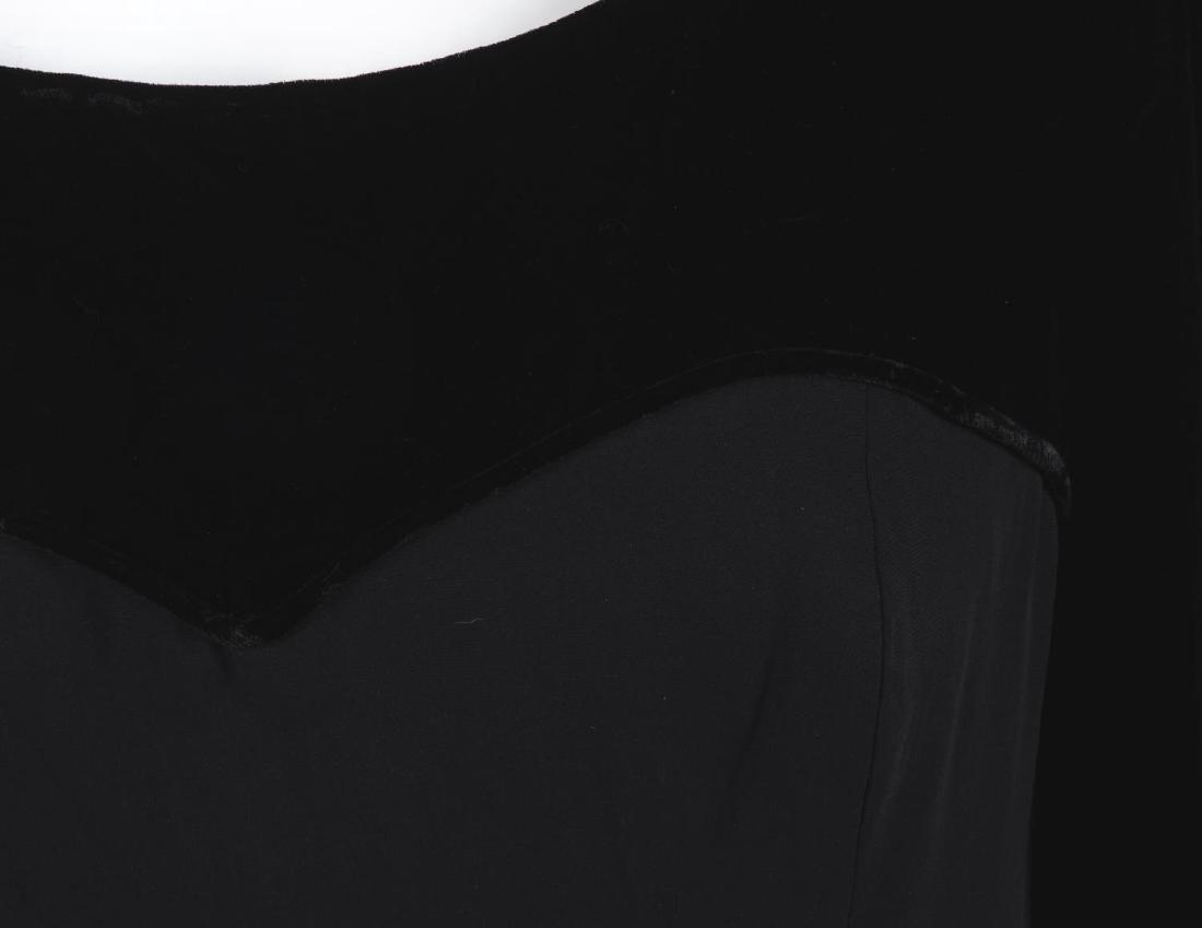 CATHERINE WALKER - a velvet dress. The black pure silk - 5