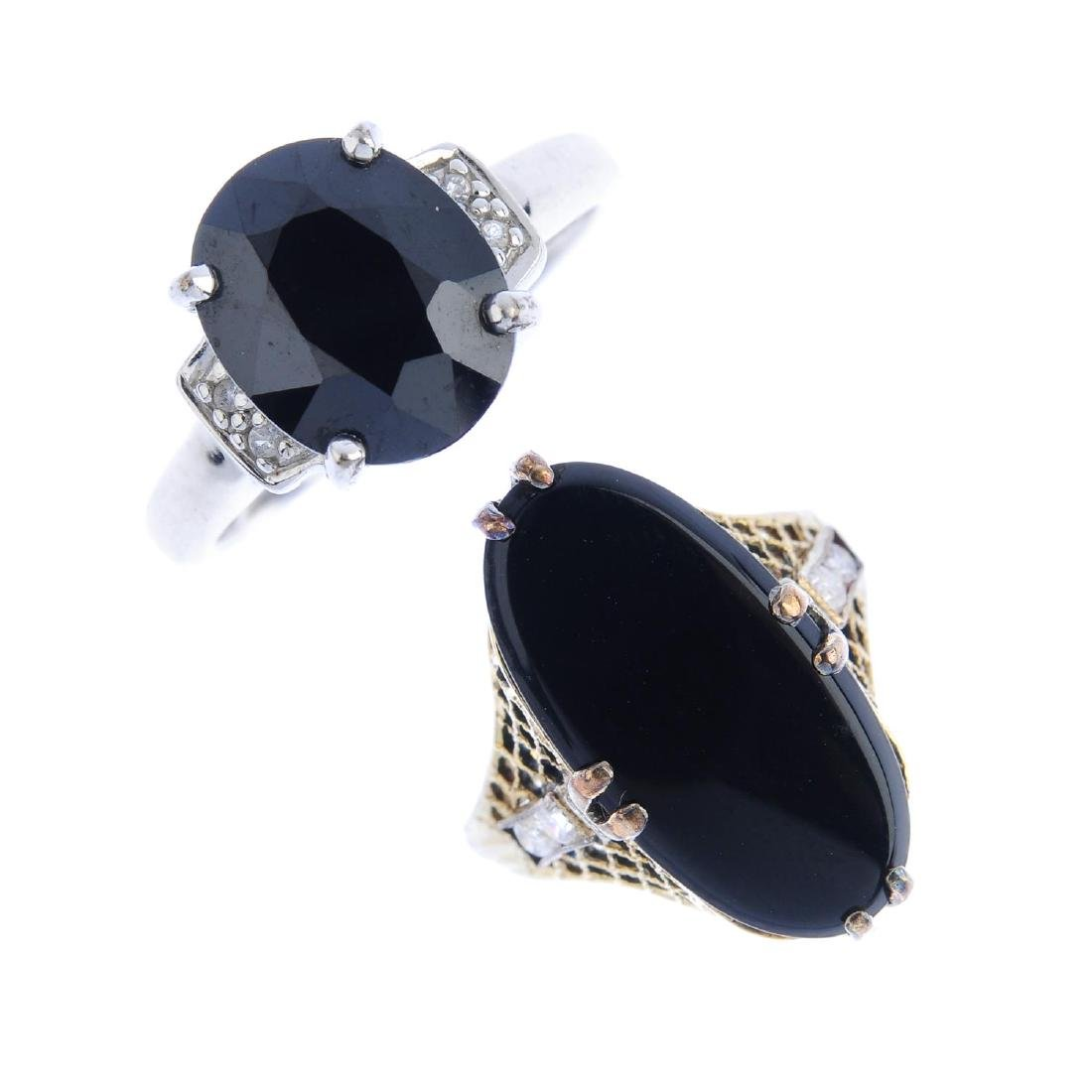 Three gem-set rings. To include a 9ct gold onyx signet