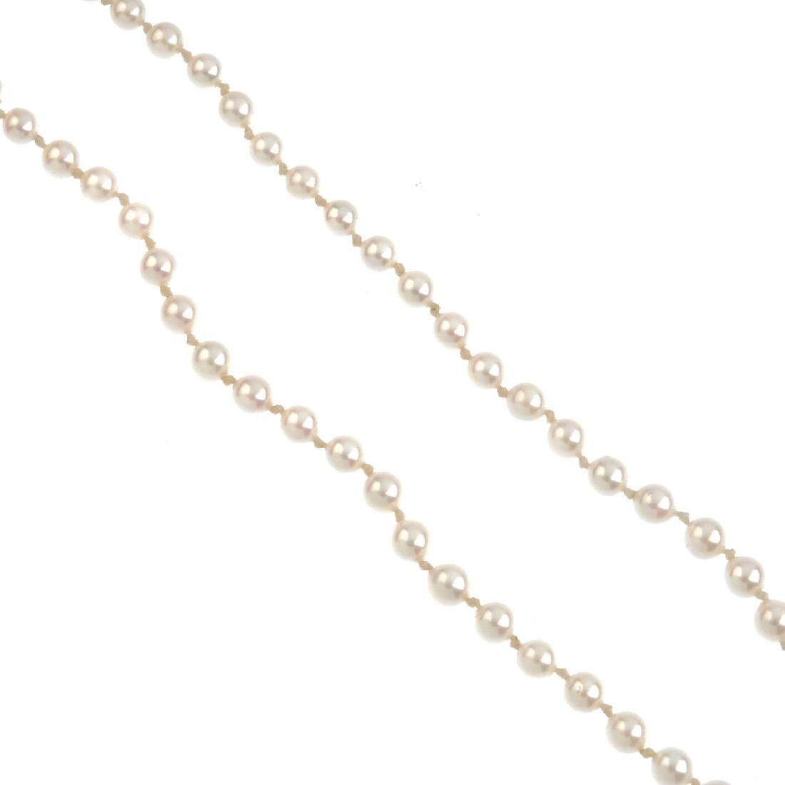 A cultured pearl single-strand necklace. Comprising 109