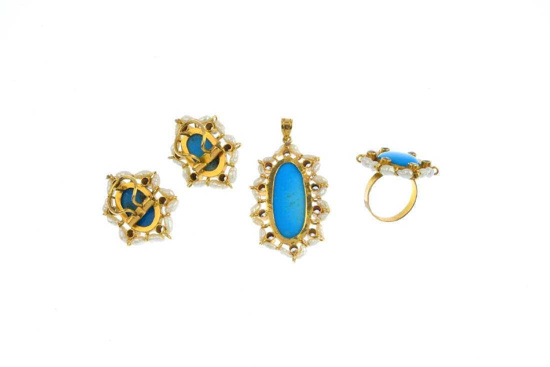 A set of turquoise, freshwater cultured pearl and paste - 2