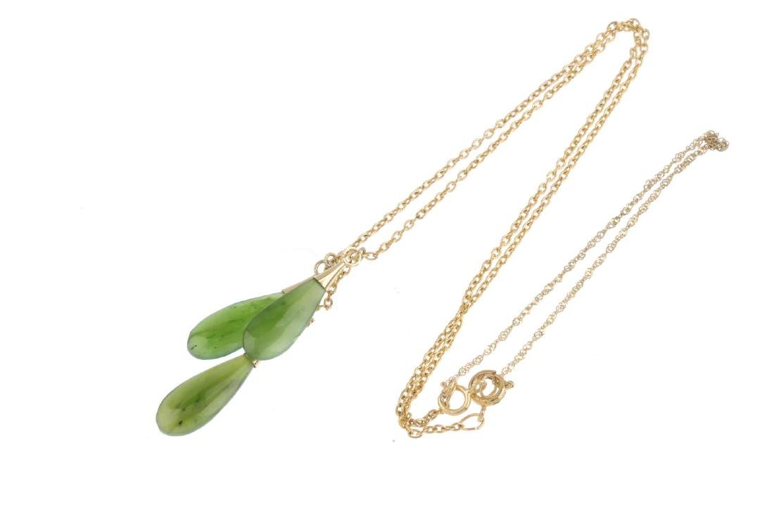 A jade necklace. Designed as three pear-shape nephrite - 3