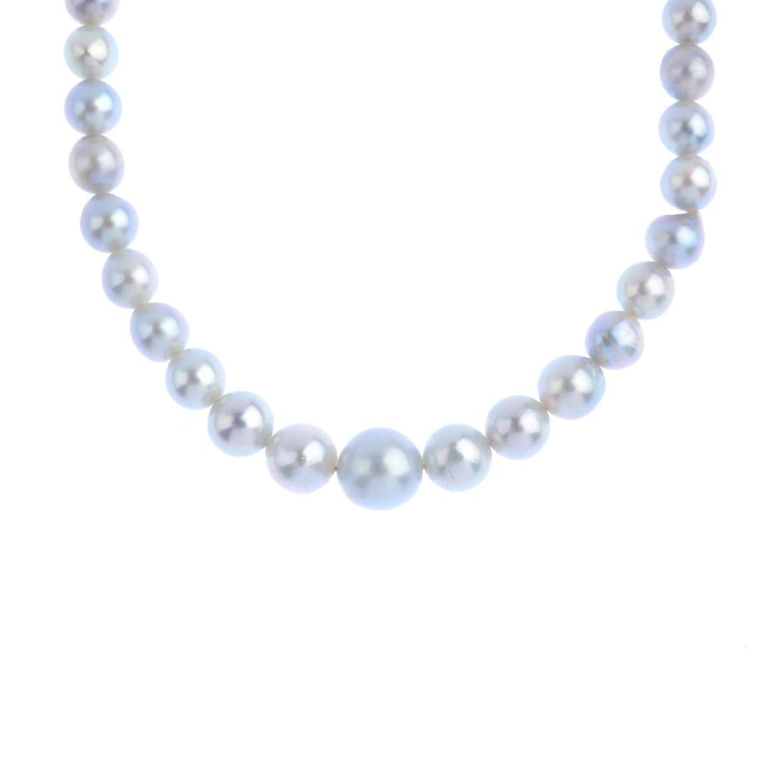 A set of cultured pearl jewellery. To include a