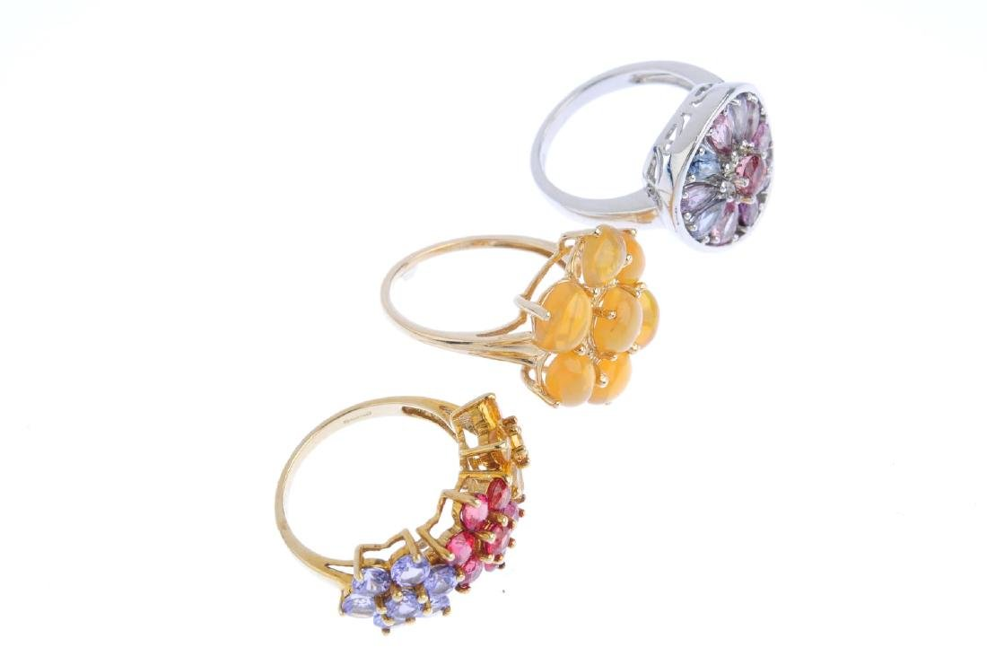 Three 9ct gold gem-set dress rings. To include a - 3