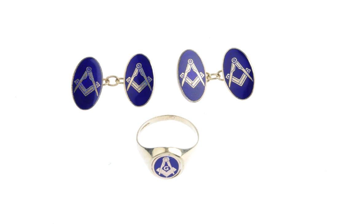 A 9ct gold enamel Masonic swivel ring and a pair of 9ct - 2