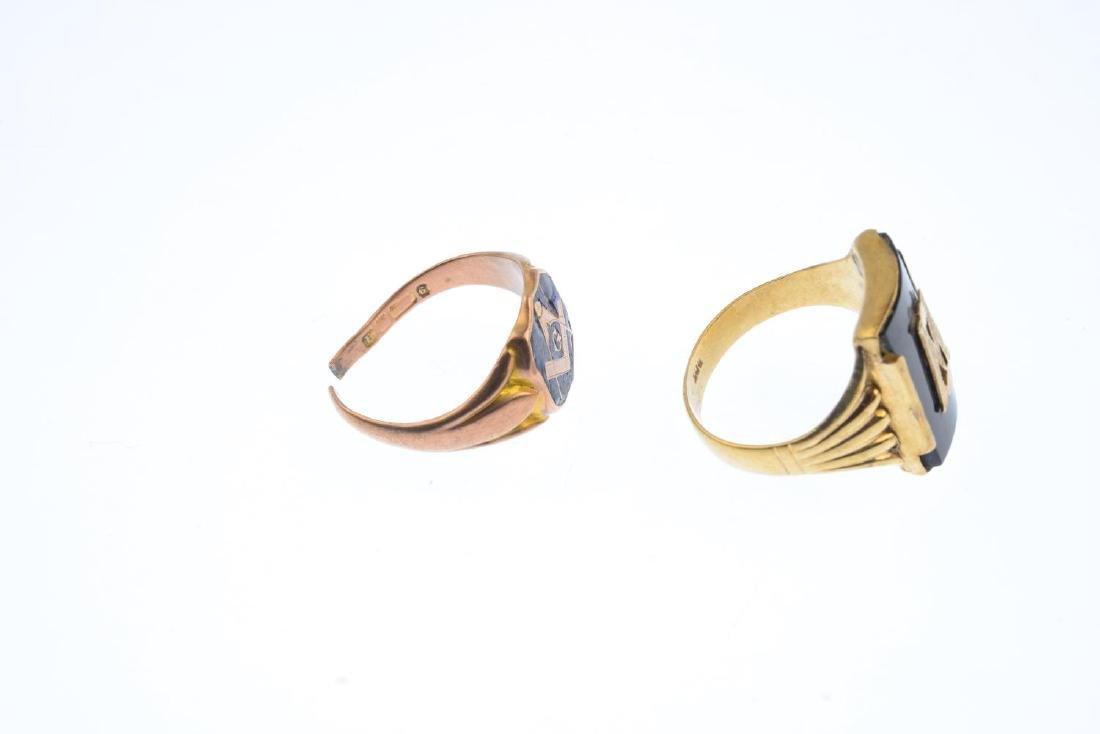 Two early 20th century Masonic signet rings. The first - 4