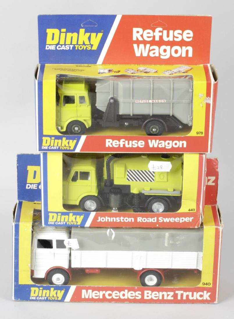 A selection of assorted Dinky diecast and plastic model