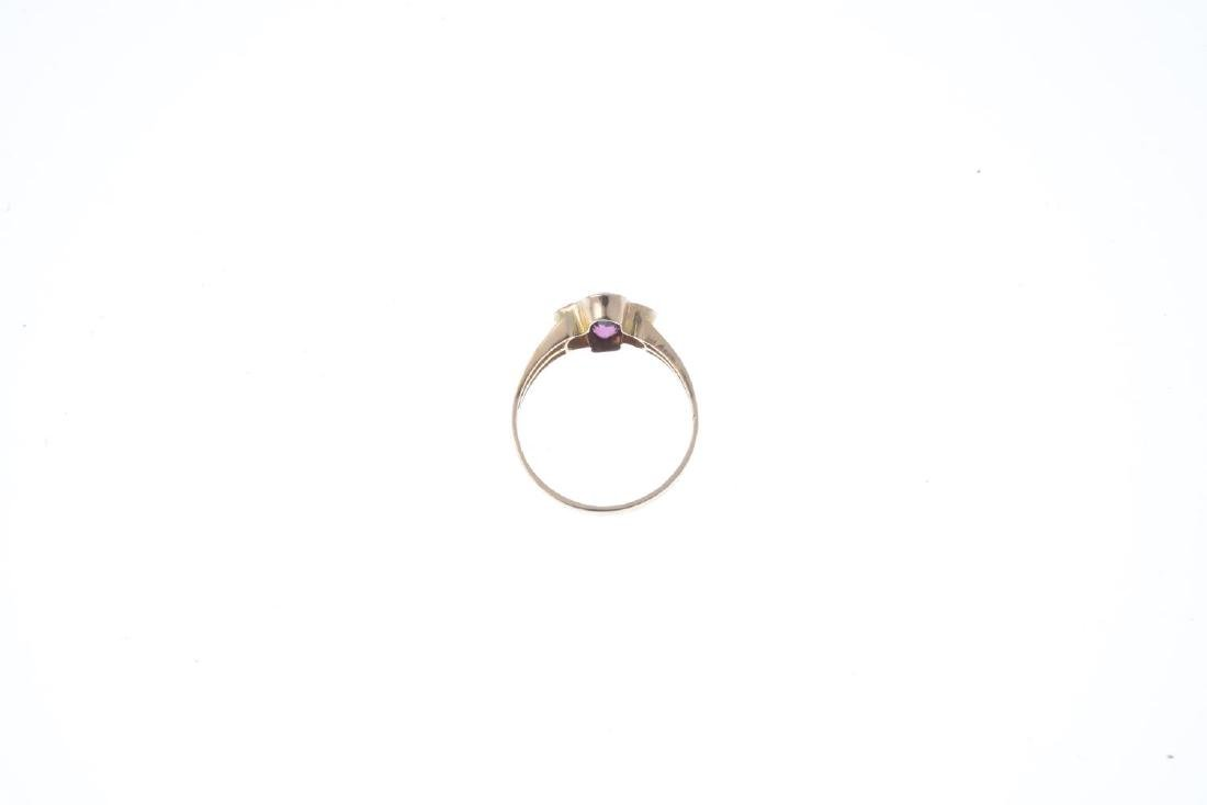An early 20th century 9ct gold garnet and split pearl - 3