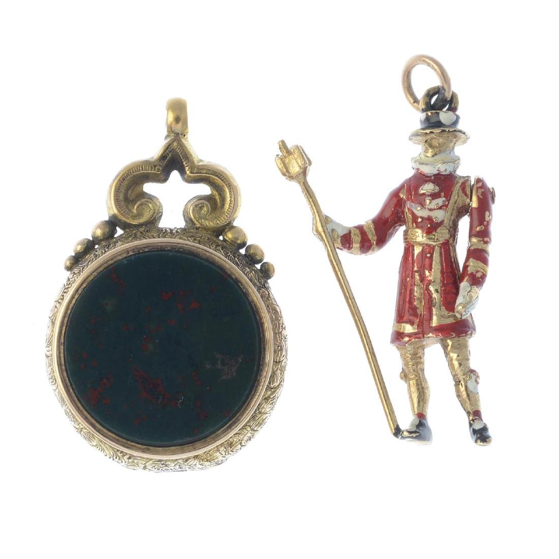 A late Victorian 15ct gold hardstone fob and 9ct gold