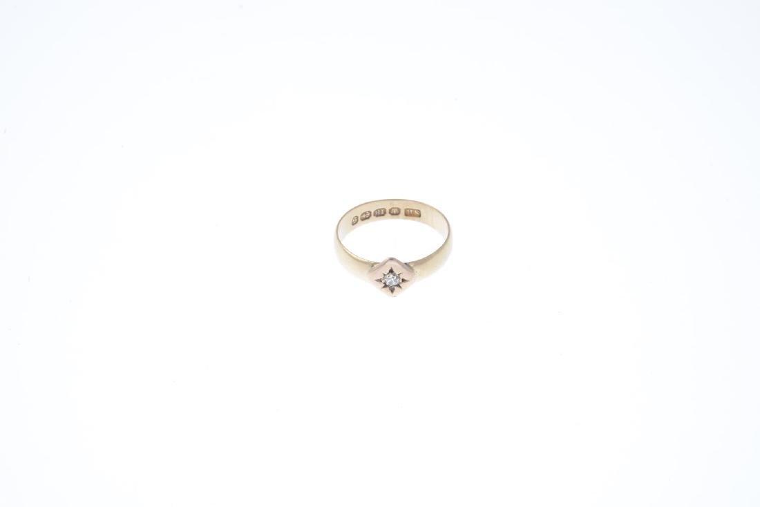 A late Victorian 18ct gold diamond single-stone ring. - 2