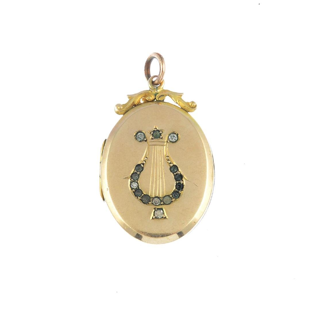 An early 20th century paste locket. Of oval outline,