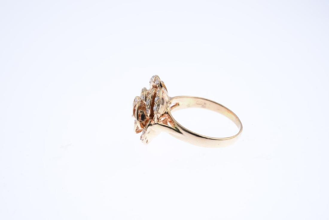 A diamond dress ring. Designed as a brilliant-cut - 2