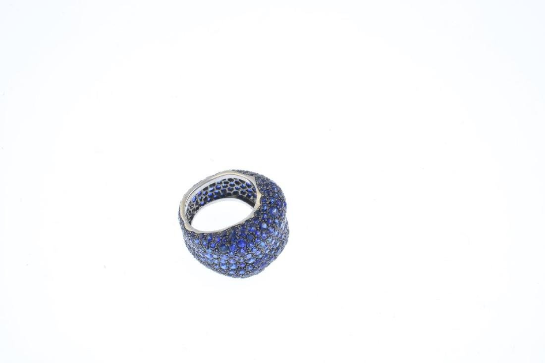 FABERGE - an 18ct gold sapphire 'Emotion' ring. - 3