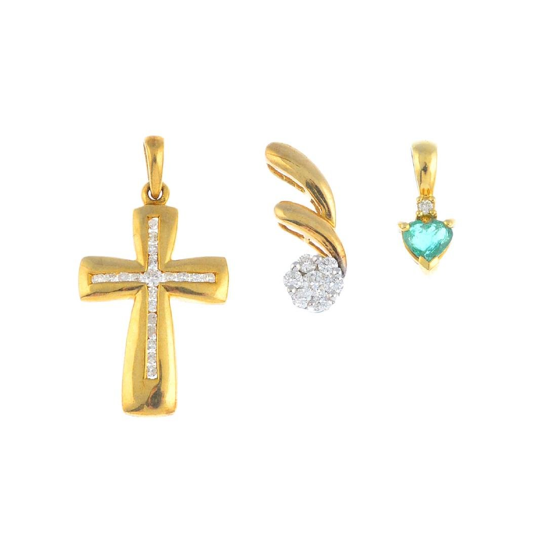 A selection of 9ct gold jewellery. To include a diamond