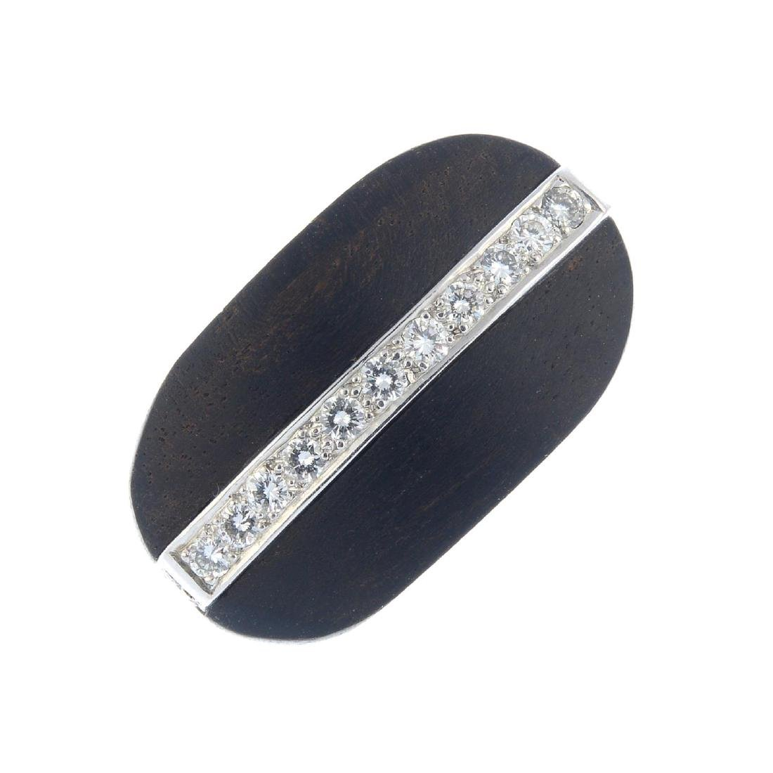A diamond wood ring. Of oval outline, designed as a