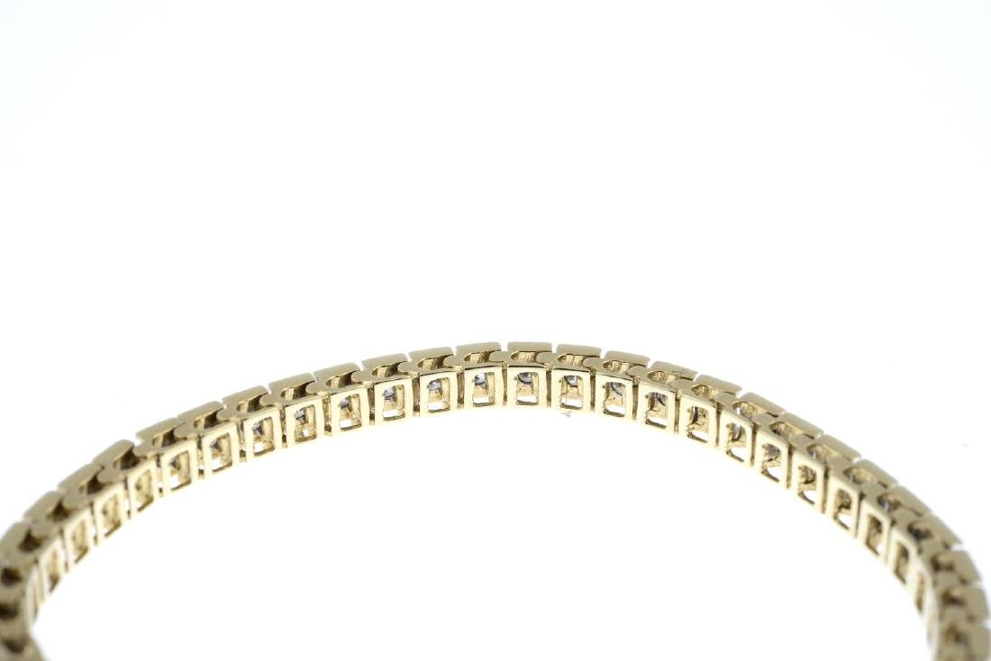 A diamond bracelet. The brilliant-cut diamond line, - 3