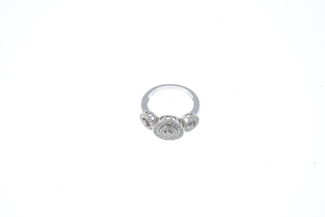 A diamond ring. Designed as a series of brilliant-cut - 2
