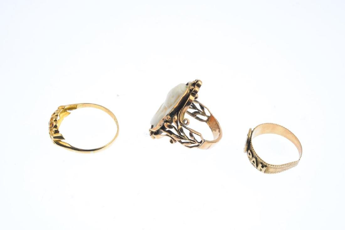 Three gem-set rings. To include a shell cameo dress - 2