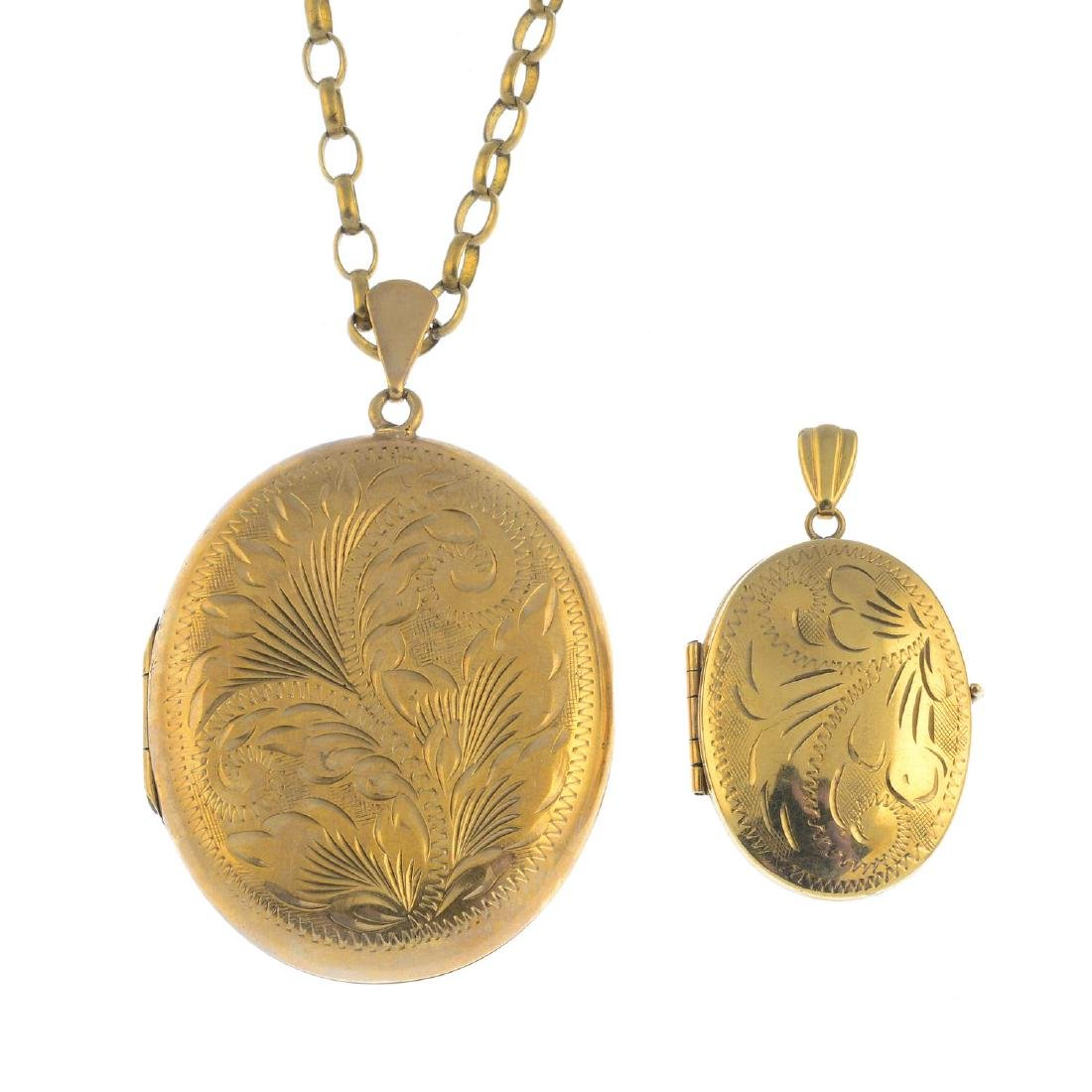 (52476) Two 9ct gold lockets. Both of oval outline,