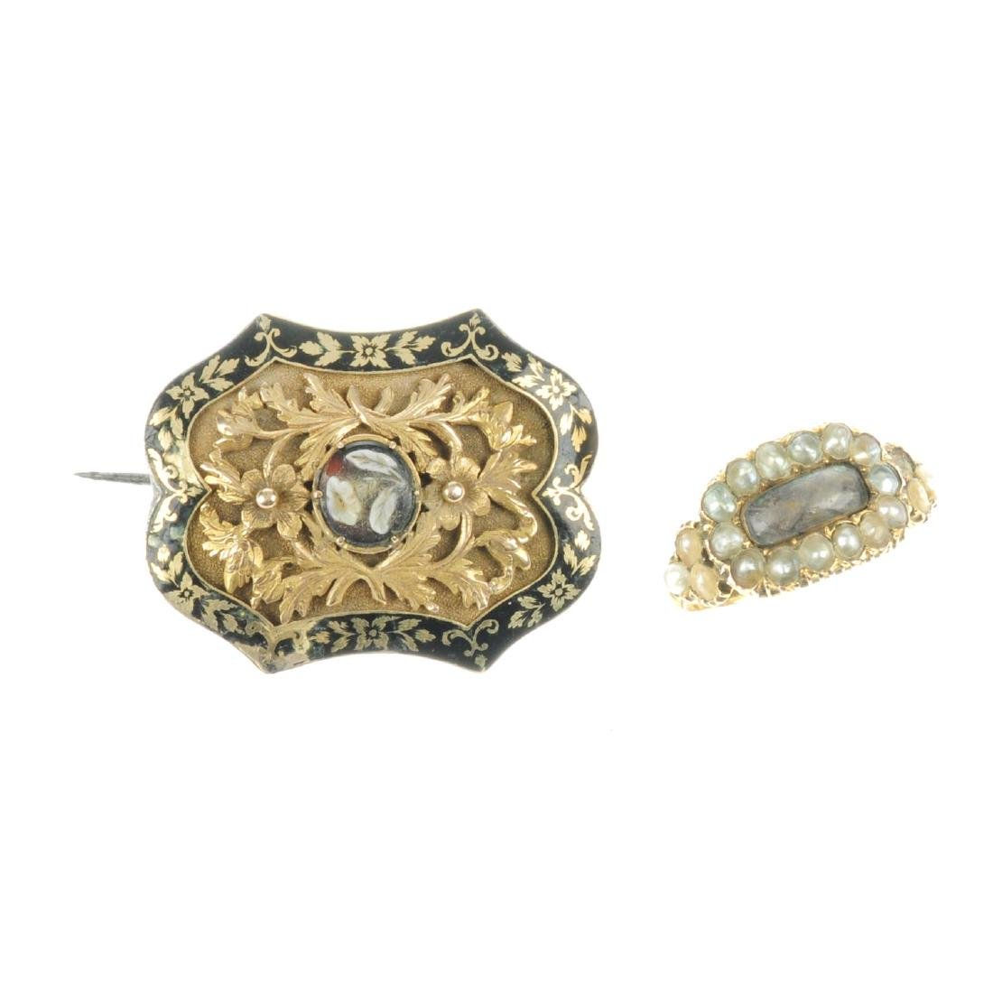 A late Georgian gold memorial brooch and ring. The
