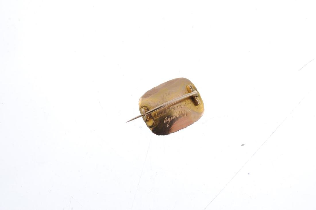 A late Georgian gold split pearl memorial brooch. Of - 2