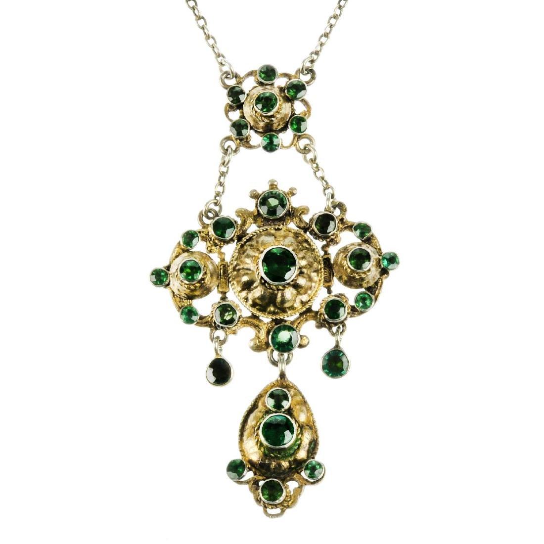 An Austro-Hungarian pendant necklace. The belcher-link