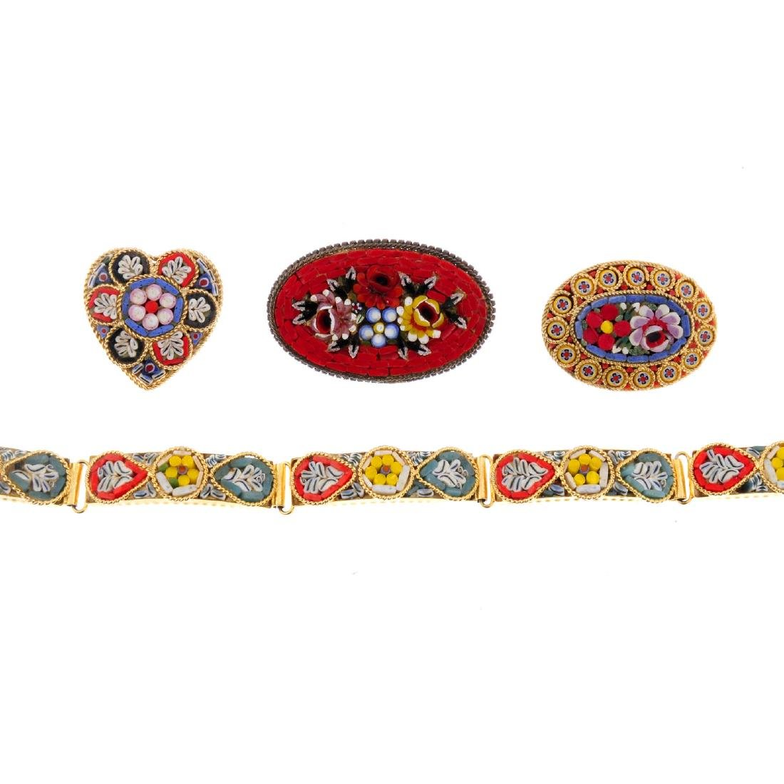 Twenty-one items of micro mosaic jewellery. To include