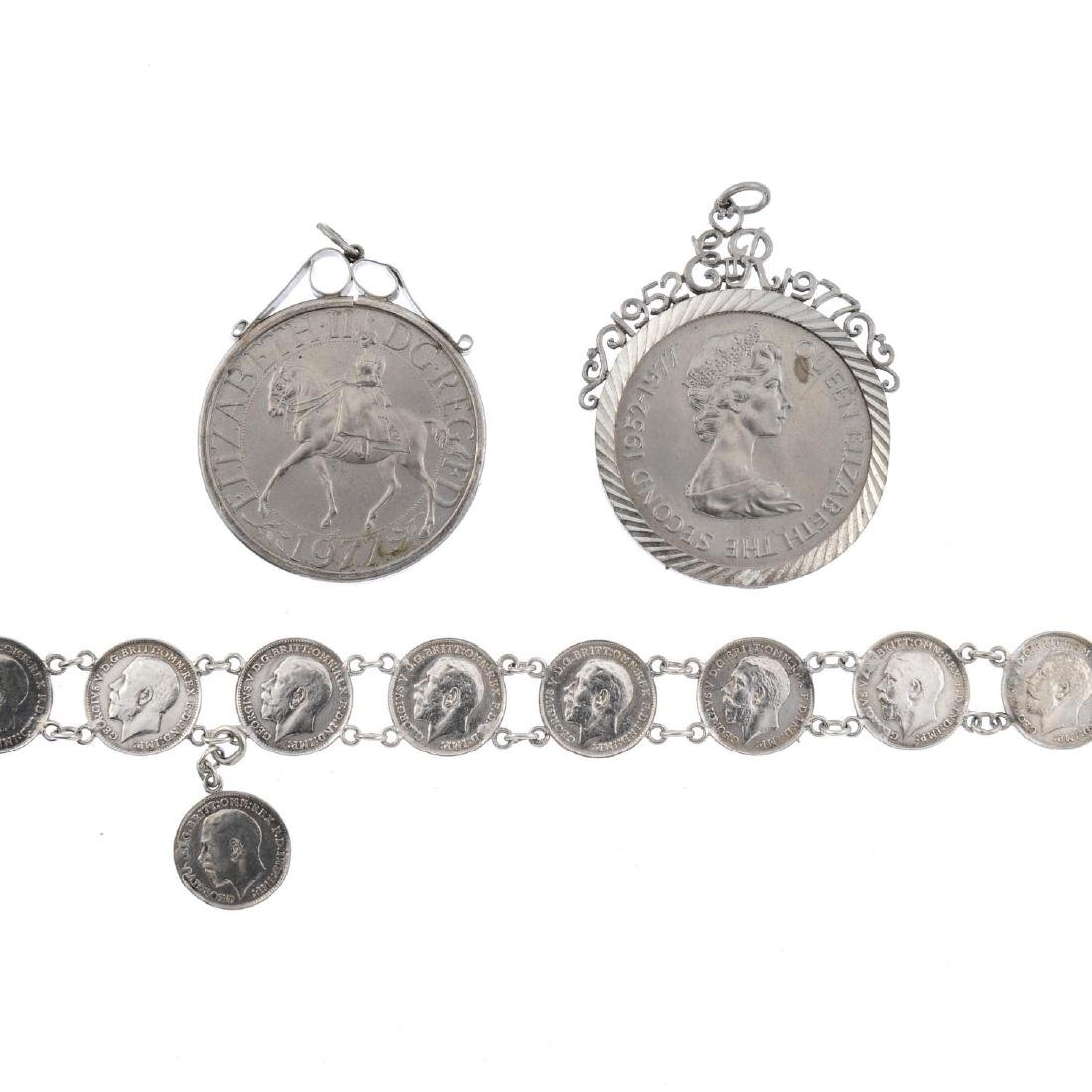 A selection of silver and white metal jewellery. To