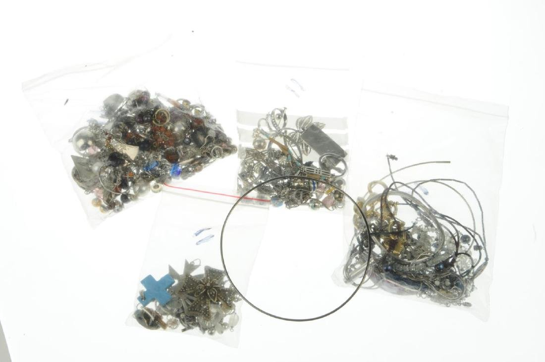A selection of mainly silver and white metal jewellery. - 2