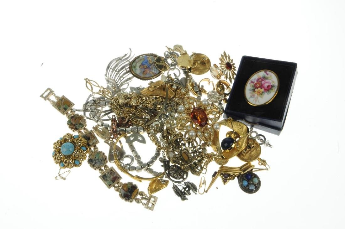 A selection of mainly designer costume jewellery. To - 2