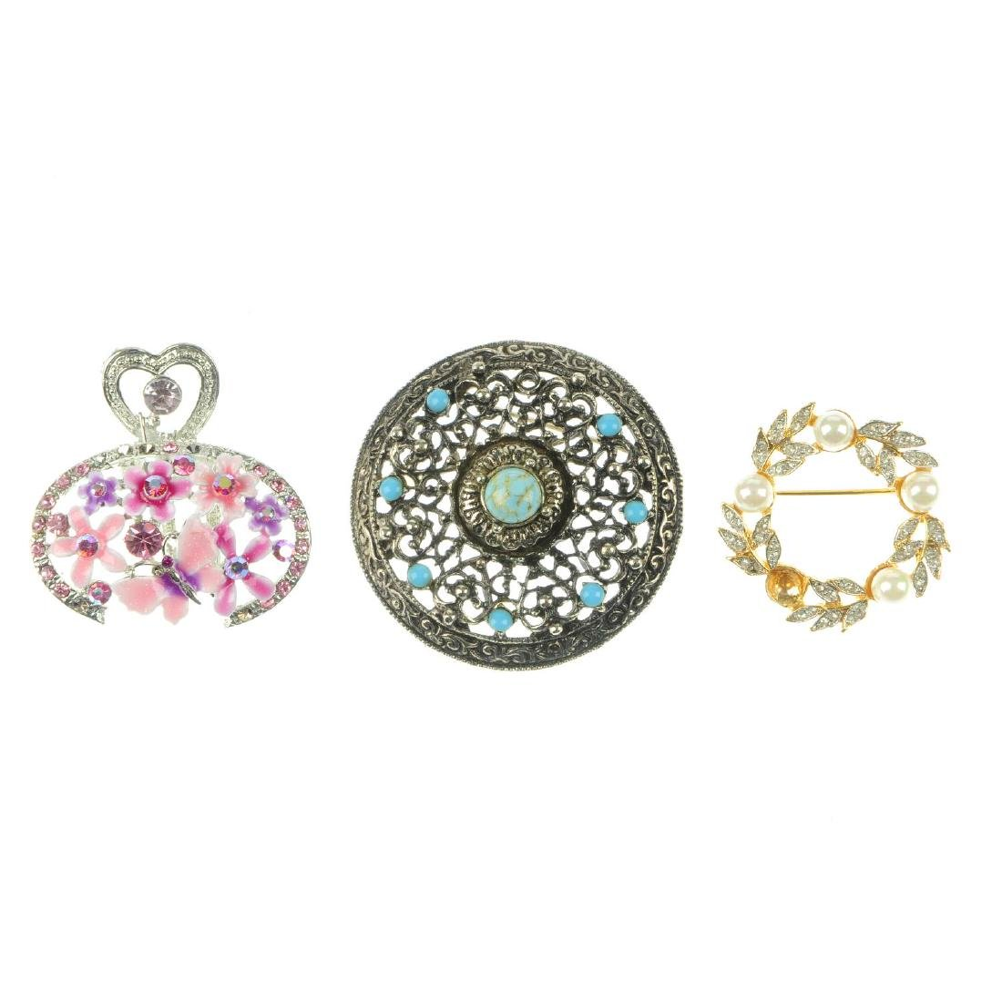 A selection of jewellery. To include a Swarovski bangle