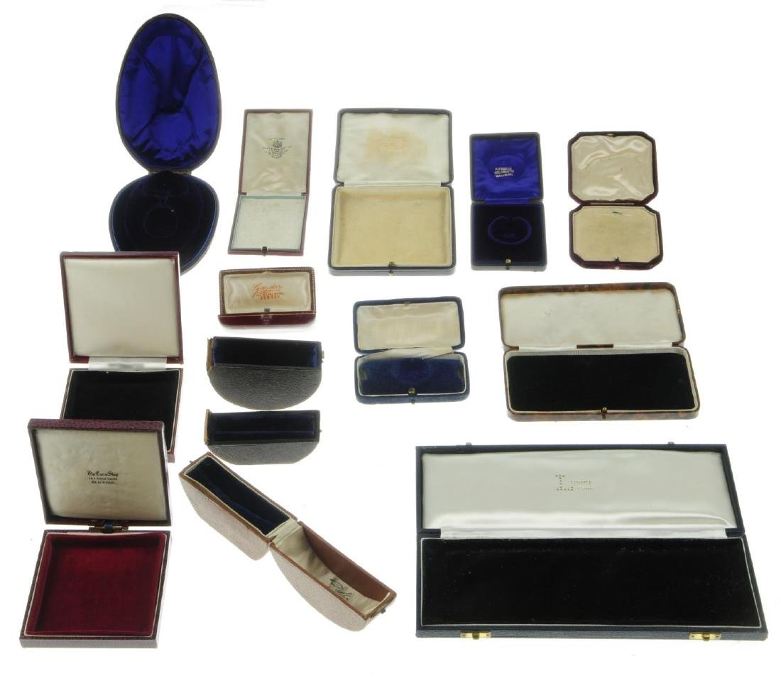 Thirty-two antique jewellery boxes. To include a - 4