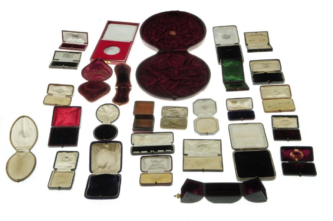Thirty-one antique jewellery boxes. To include a  green - 4