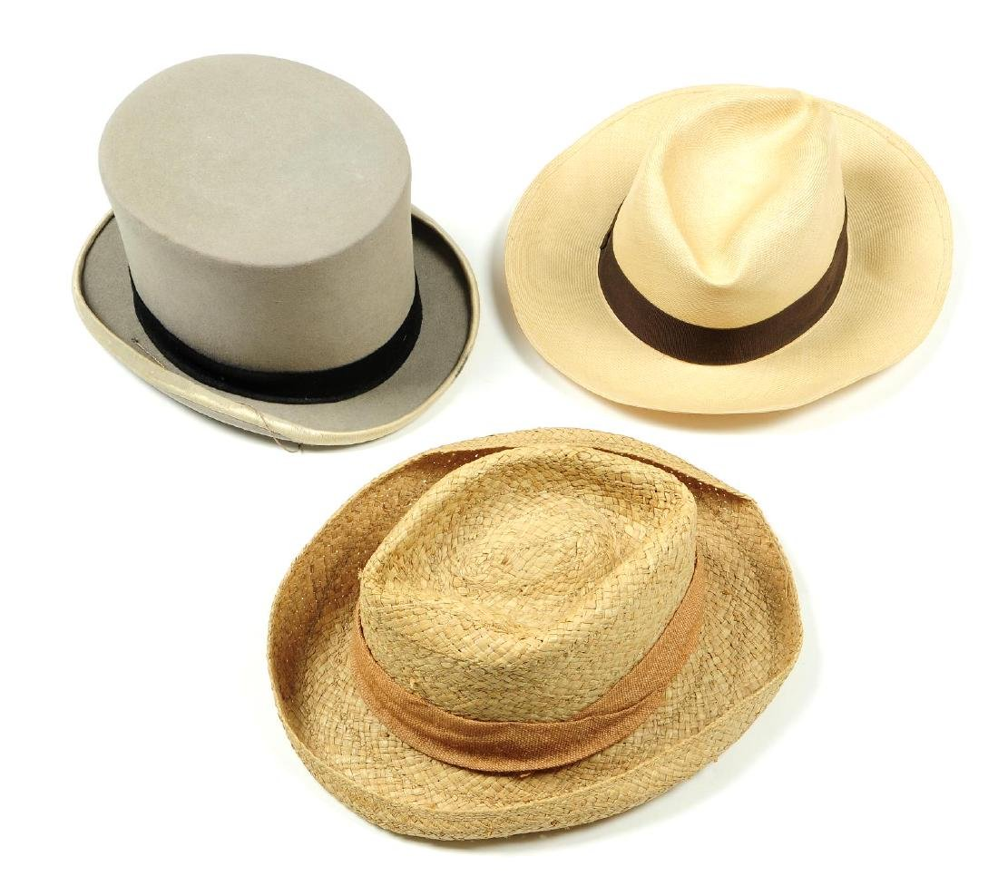 Twenty-one vintage gentleman's hats. To include