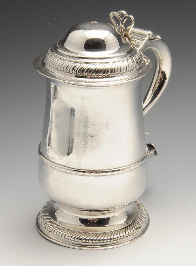 A George III provincial silver tankard, the plain - 2