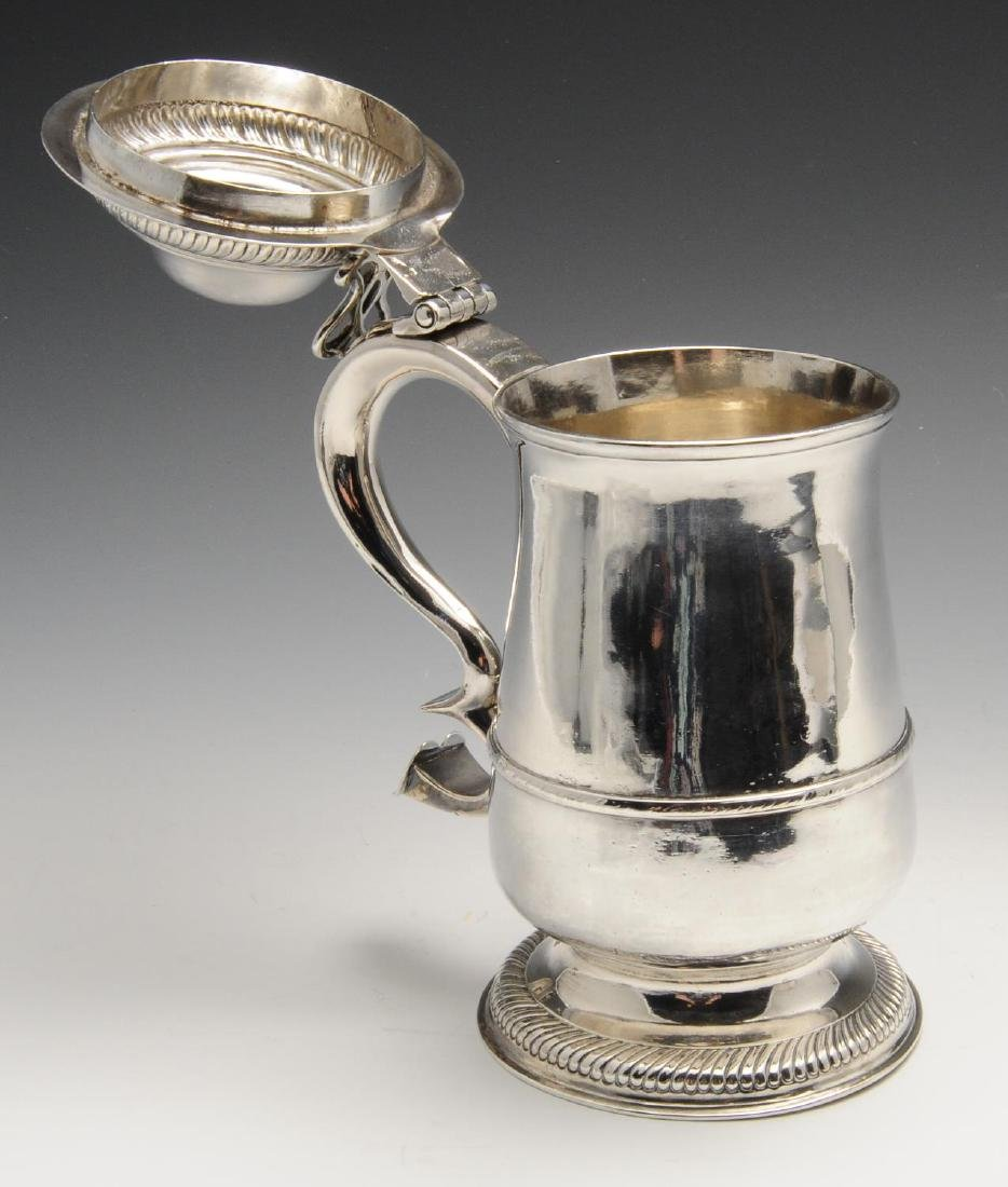 A George III provincial silver tankard, the plain - 6
