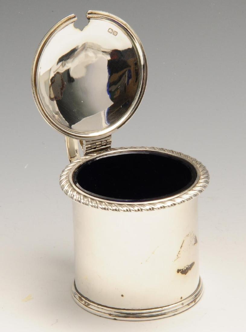 A 1920's silver drum mustard pot, of plain circular - 4