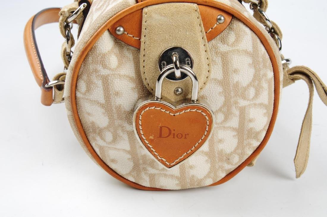 CHRISTIAN DIOR - a small Romantique barrel handbag. - 4