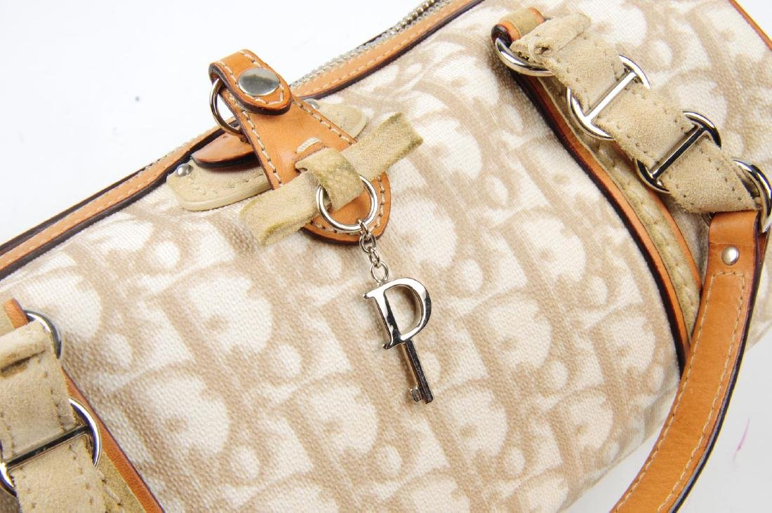 CHRISTIAN DIOR - a small Romantique barrel handbag. - 5